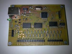 Sistema con Microcontrolador conectado al PC mediante USB